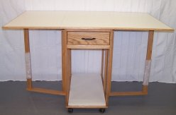 Unique Sewing Furniture Model 672
