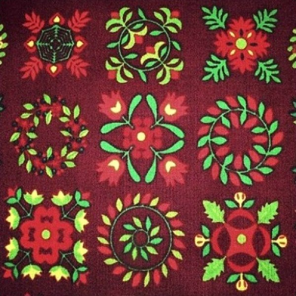 Christmas in Baltimore - Quilt Motifs (Burgundy)