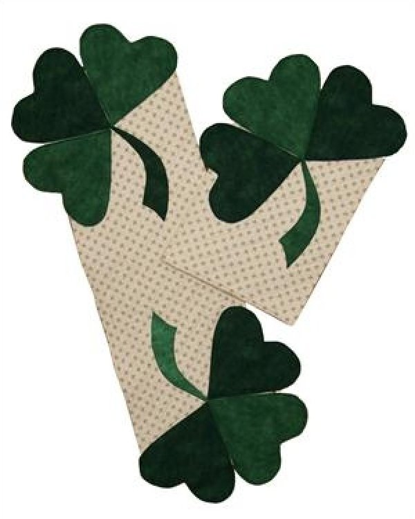 Shamrock Placemat and Table Runner
