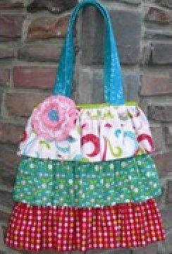 The Maggie Bag Pattern by Karen Bennett - 3 sizes -NN312