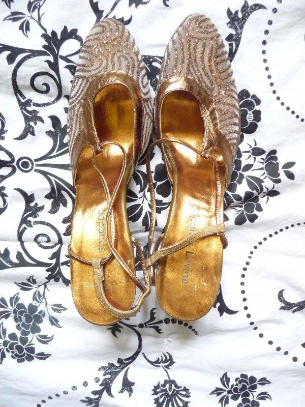 Vintage Jacques Levine Golden Glitter sassy Heels