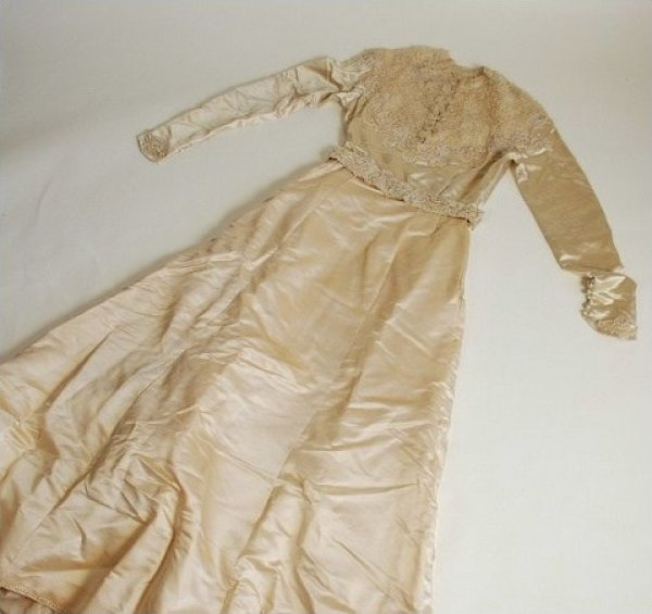 Wedding Gown Antique late 19th Century Silk Ecru Gown EB162