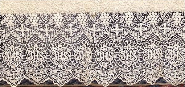 Ecclesiastical Vintage Altar Cloth Linen with Lace Decoration Beautiful Piece D3JMF
