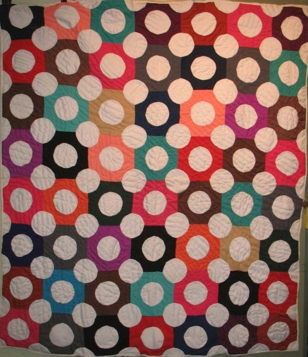 DOTS VINTAGE PIECED QUILT