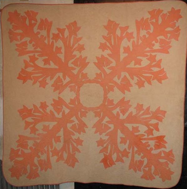 HAWAIIAN APPLIQUE ANTIQUE QUILT, peach