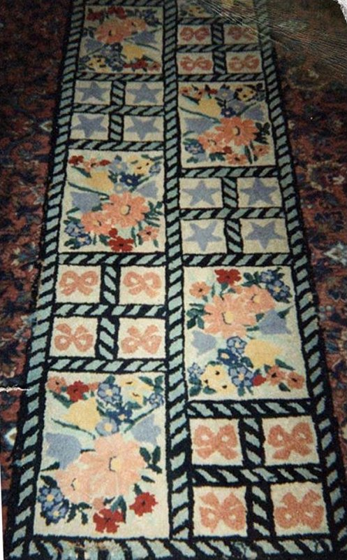 FLOWERS AND BOWS VINTAGE HOOKED RUG, RUNNER