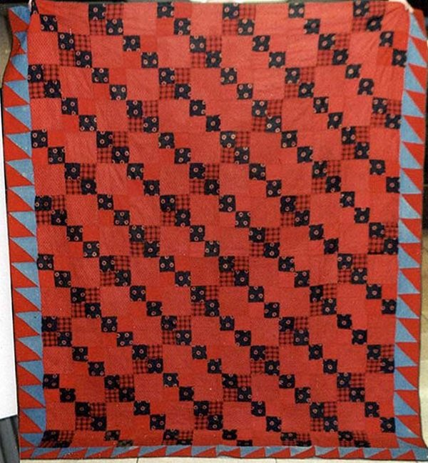 FOUR-PATCH STRAIGHT FURROW SAWTOOTH BORDER ANTIQUE QUILT