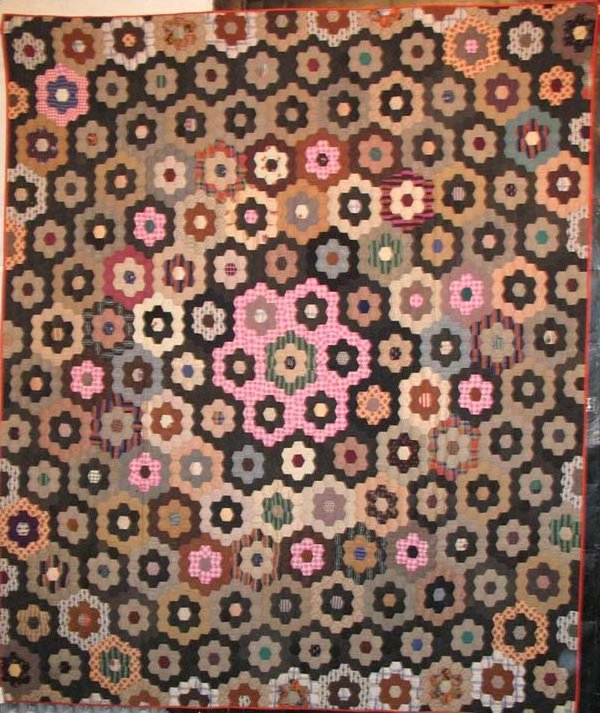 HONEYCOMB or MOSAIC ANTIQUE QUILT, wool