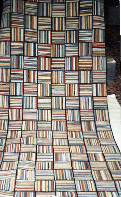CHEERY BASKETWEAVE RUNNER