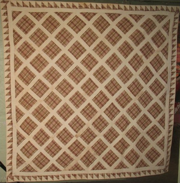 ONE PATCH DIAMOND LATTICE ANTIQUE QUILT