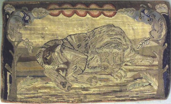 WILDCAT ON A TREE BRANCH ANTIQUE HOOKED RUG