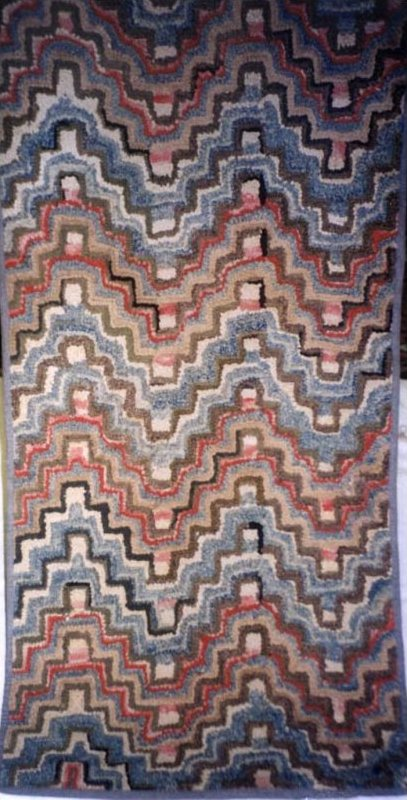 BARGELLO PATTERN ANTIQUE HOOKED RUG