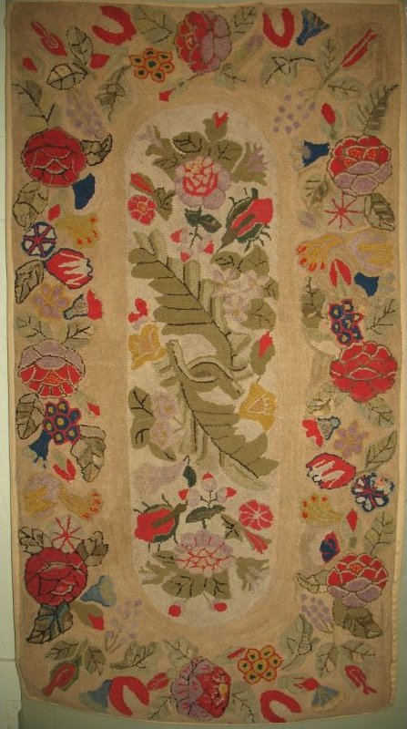 FLORAL SPRAY FLORAL BORDER ANTIQUE HOOKED RUG
