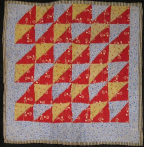 TRIANGLES OR SPLIT SQUARES ANTIQUE DOLL QUILT