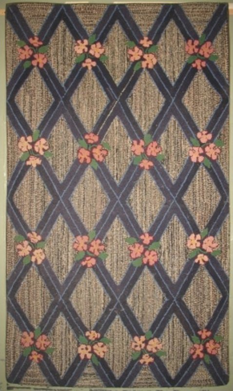 DIAMOND GRID, FLOWER INTERSECTIONS VINTAGE HOOKED RUG