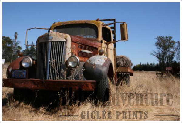 116 Truck Giclée Print