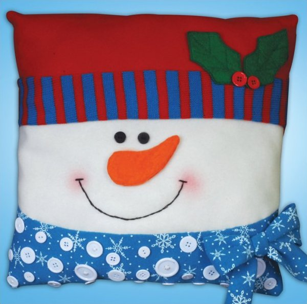 # 5191 Snowman Button Pillow