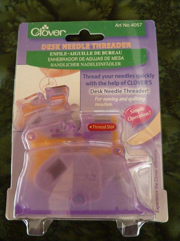Desk needle threader