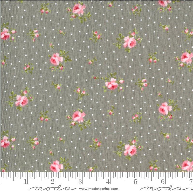 Sophie Medium Floral Cobblestone