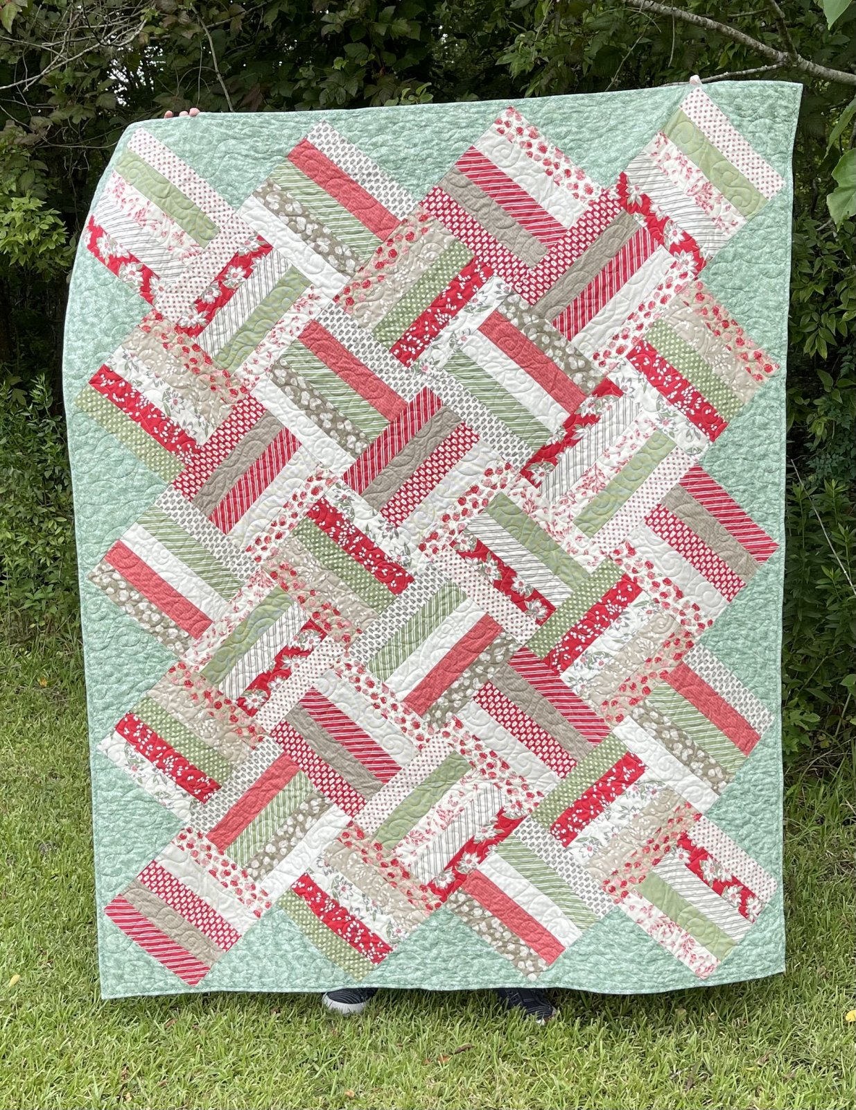 Fields of Flowers Jelly Roll Quilt Kit - Red Cream Taupe Green