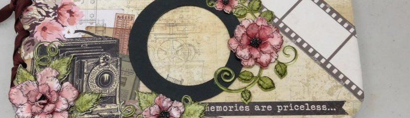 Old-fashioned camera scrapbooking cover