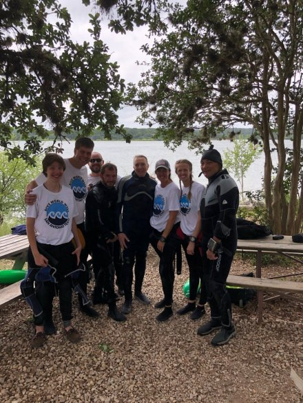 Dive World Open Water students completing course at Medina Lake
