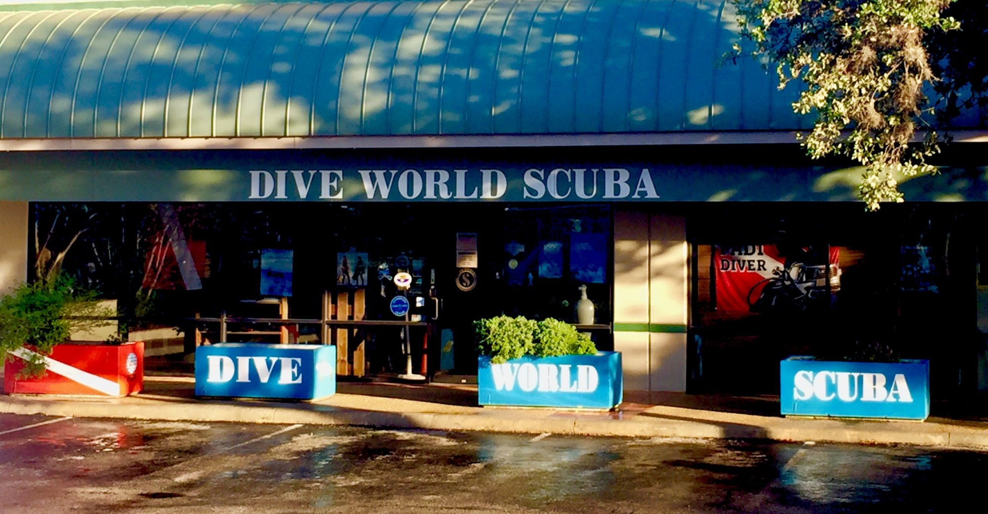 Dive World Scuba Thousand Oaks Storefront