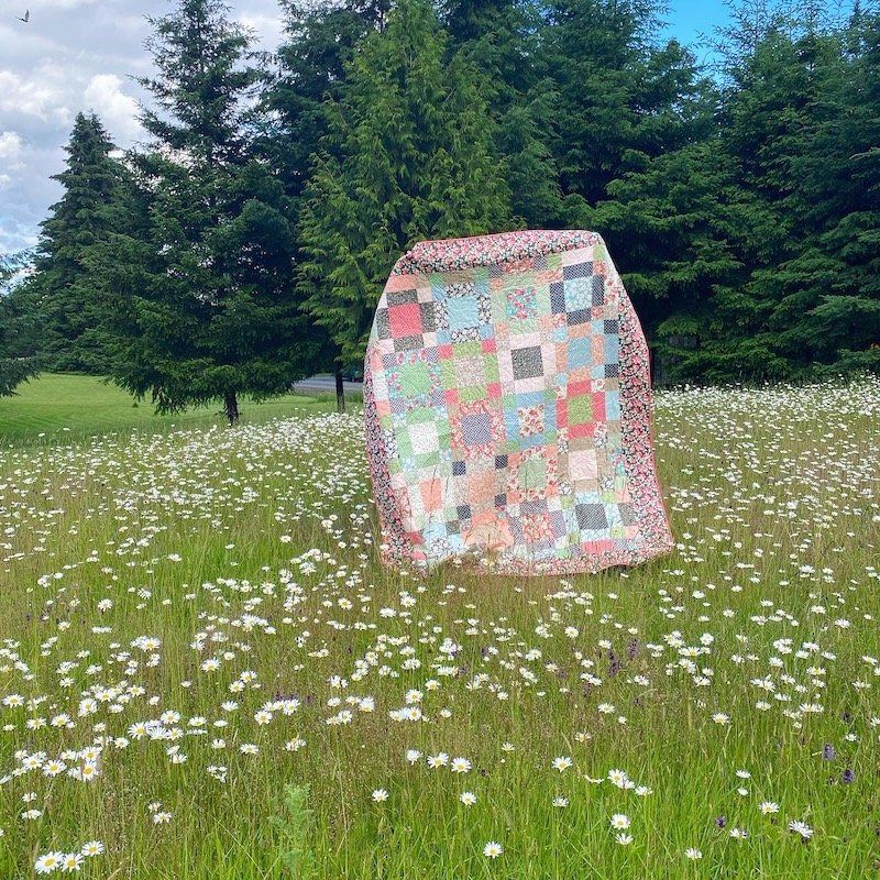 Blooming Friends Quilt Kit
