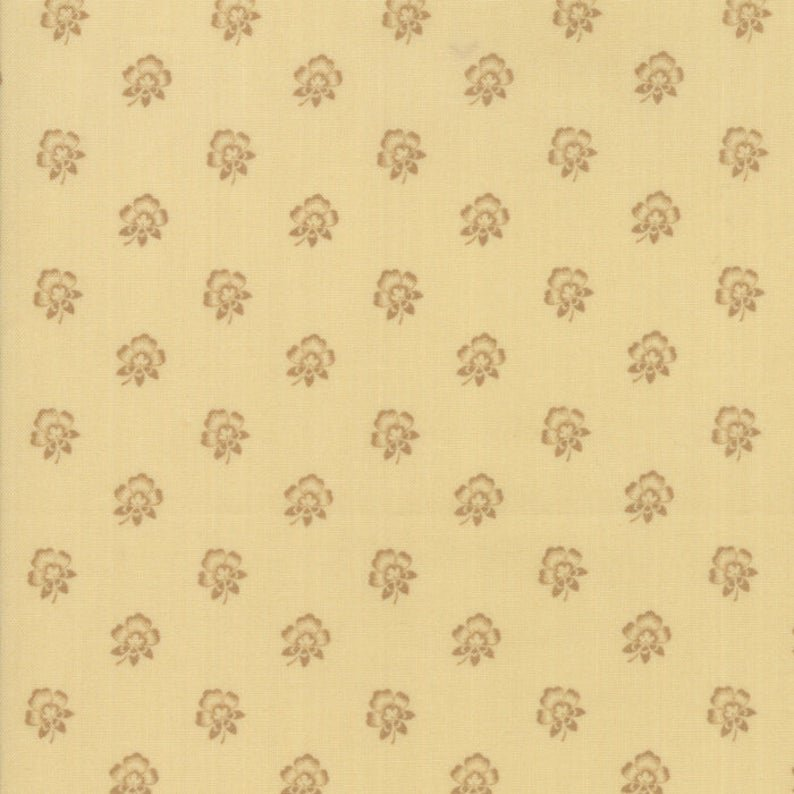 Susannas Scraps - Garden Blooms Cream - LAST PIECE 23 INCHES