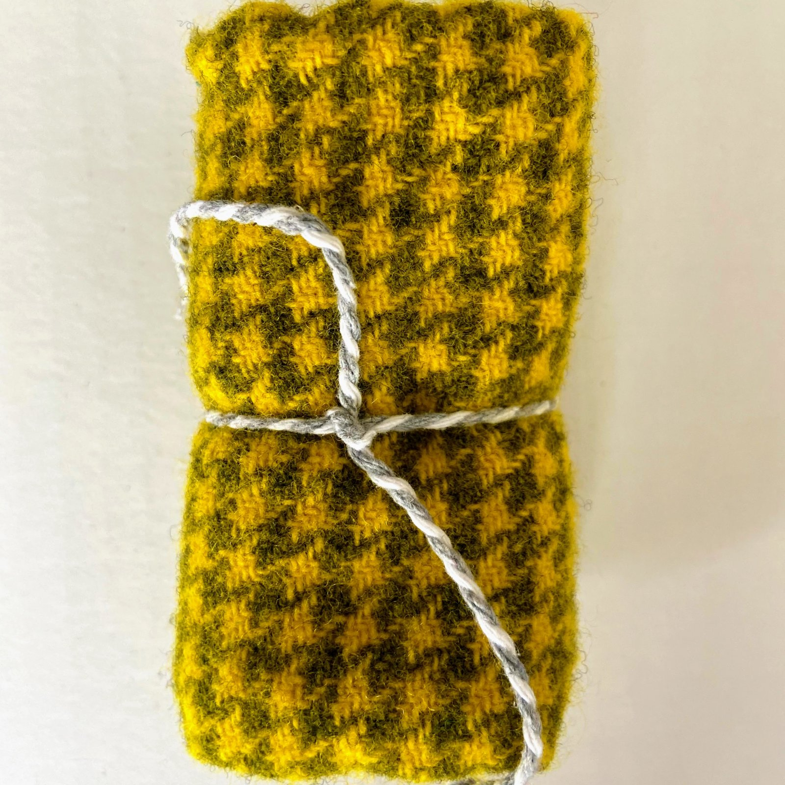 Wool 8 x 12 - Canary Check