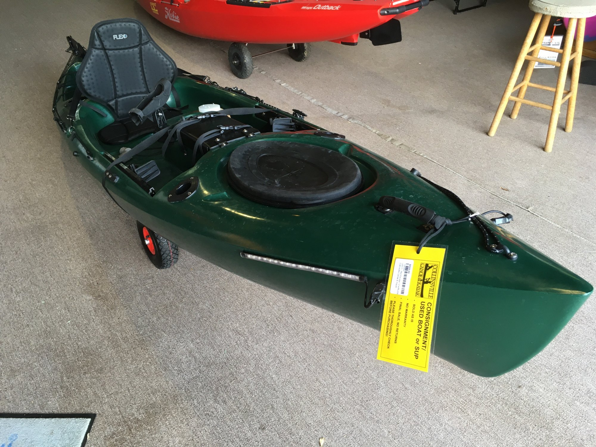 USED - Riot Escape 12 w/Rudder, Green
