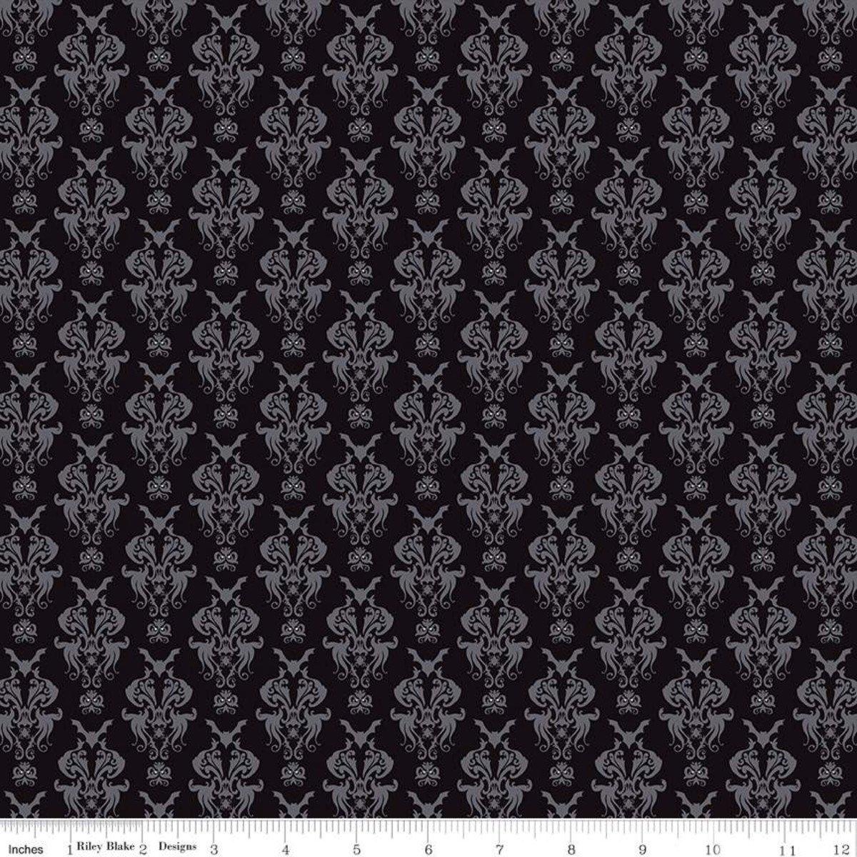 c10571-black Spooky Hollow