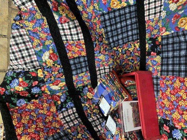 Scrappy Modern Quilt Kit