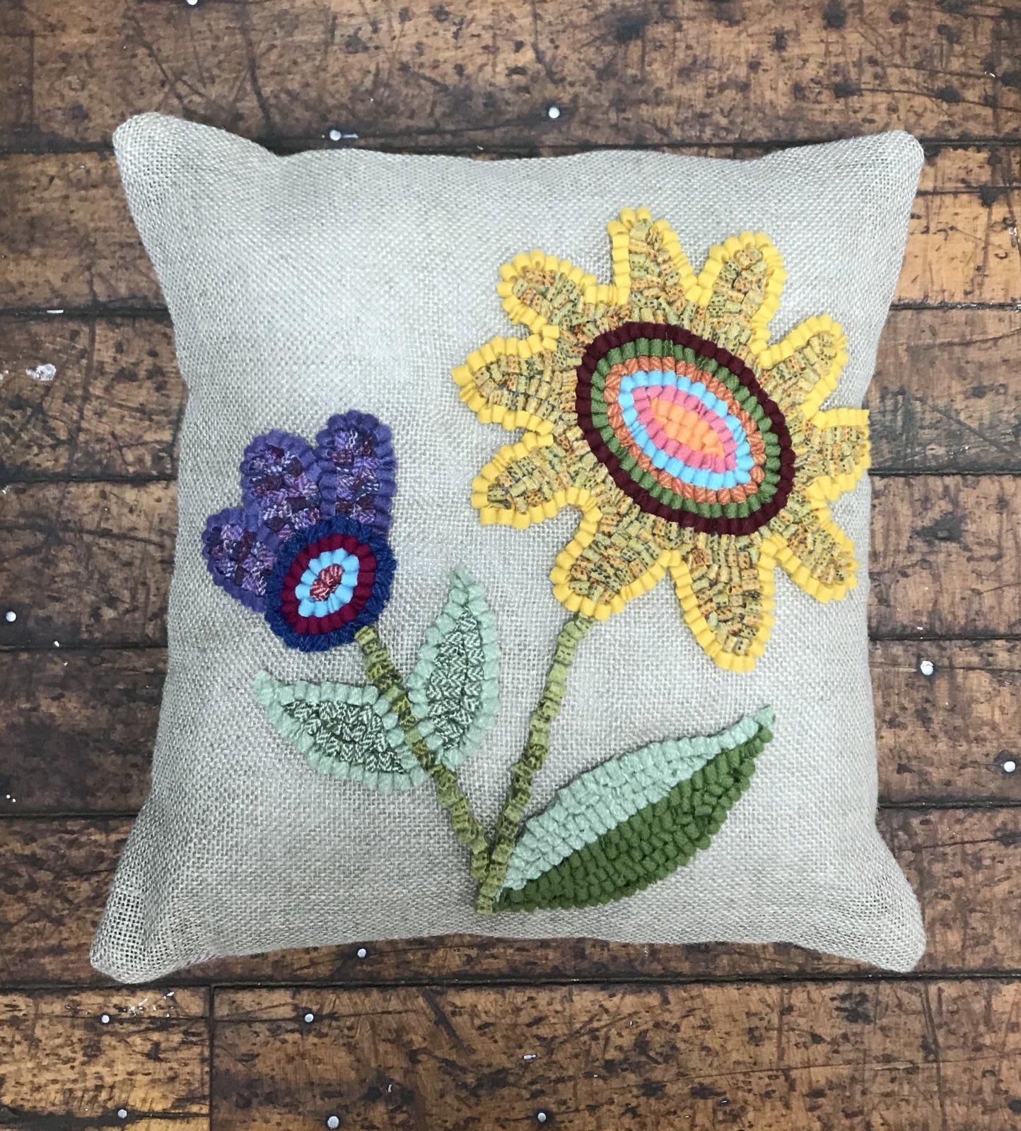 Loop by Loop Flower Power Pillow Kit
