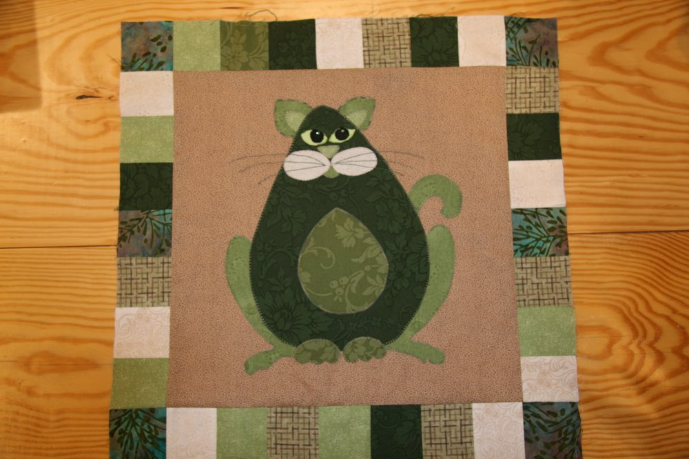 SQ01 - Garden Patch Cats -Avocato Block 1