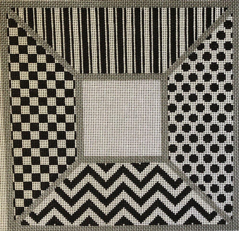 L572 - SMALL BLACK & WHITE GRAPHICS