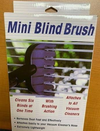 Mini Blind Brush
