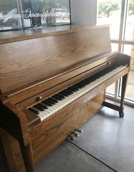 Baldwin Studio Oak Used