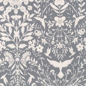 Black & White Collection by Jennifer Sampou for Robert Kaufman Fabrics - AJS-15015-304 Flora in Shadow