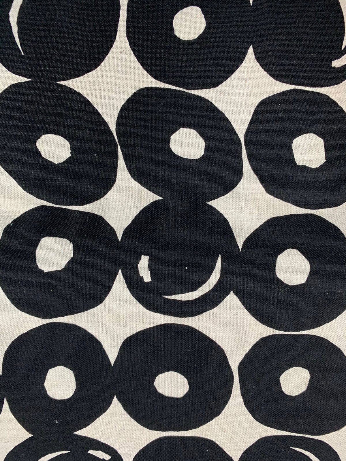 Cosmo canvas large donut circles black/white