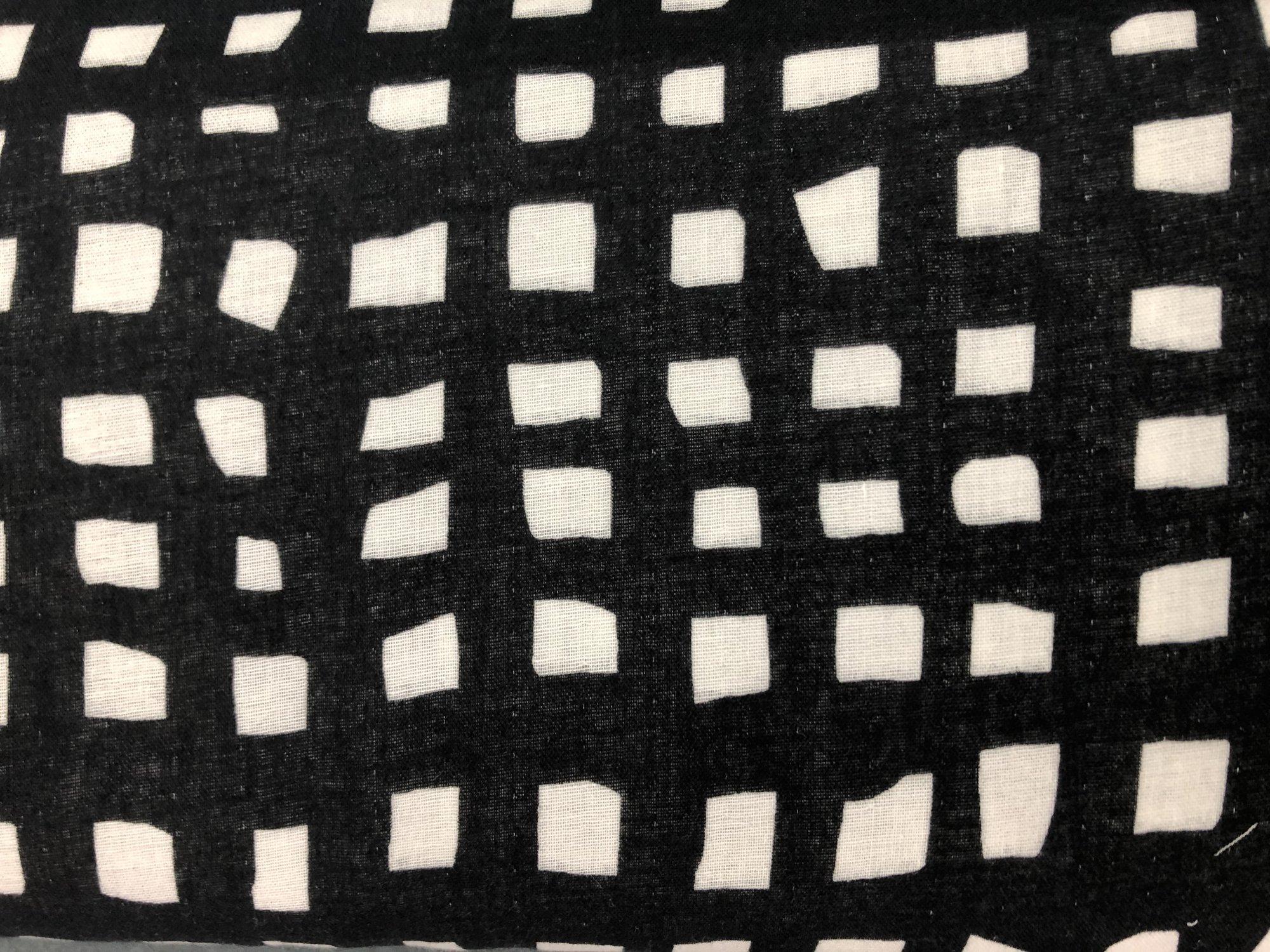 DG Black/White Squares