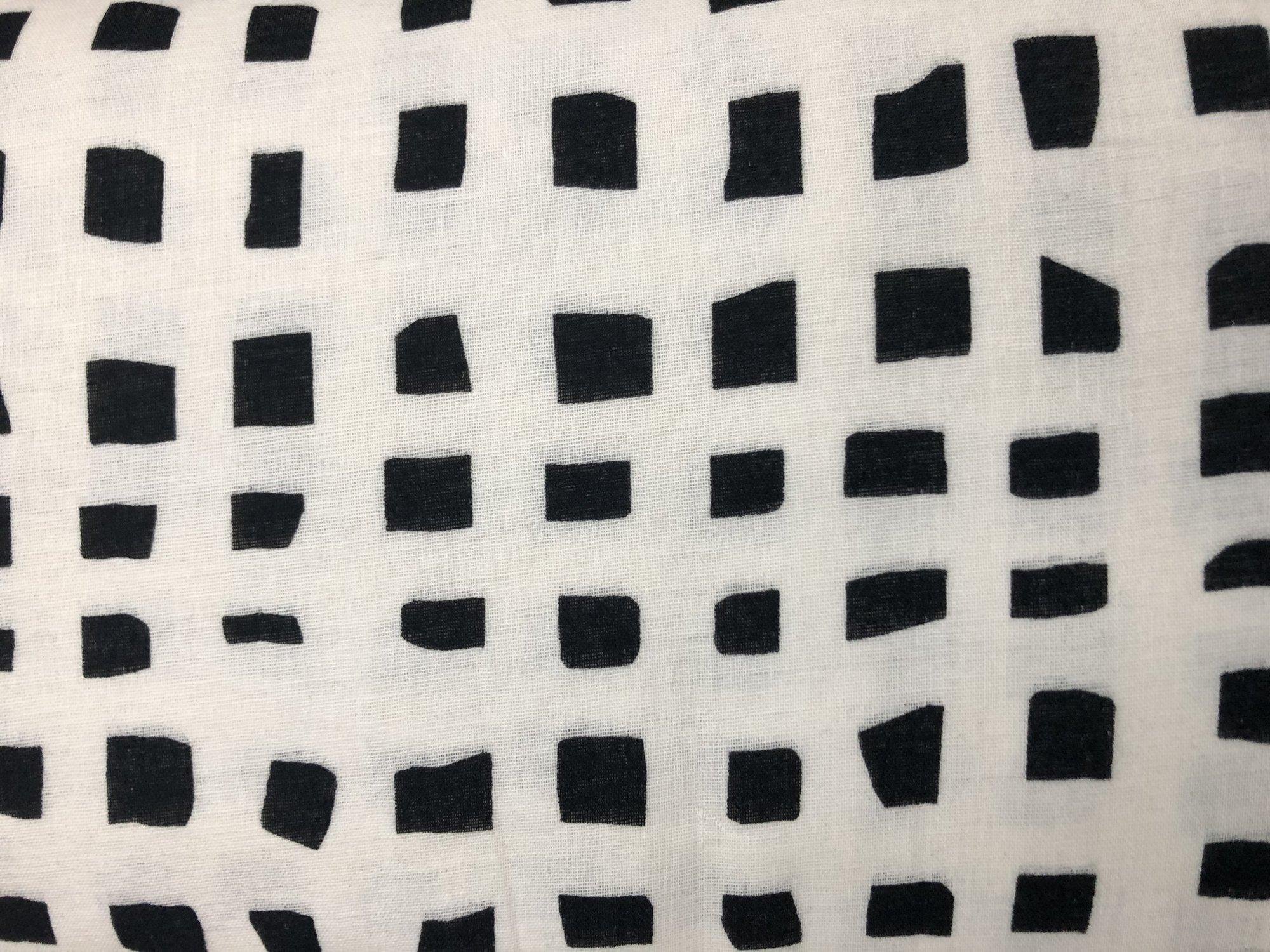 DG White/Black Squares