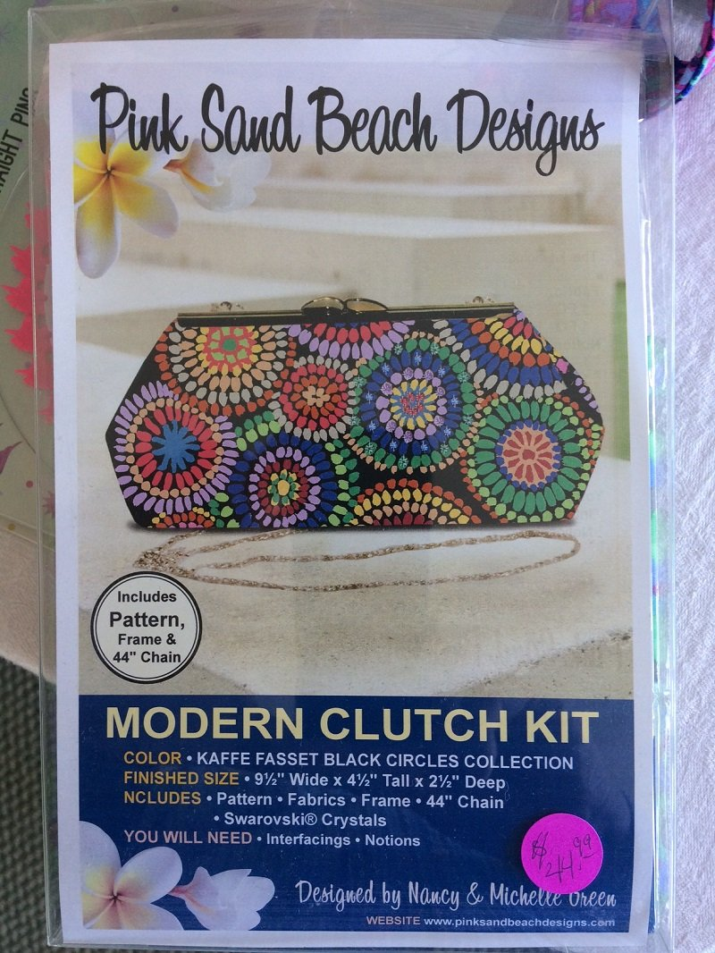 Modern Clutch Kit Kaffe Black Circles