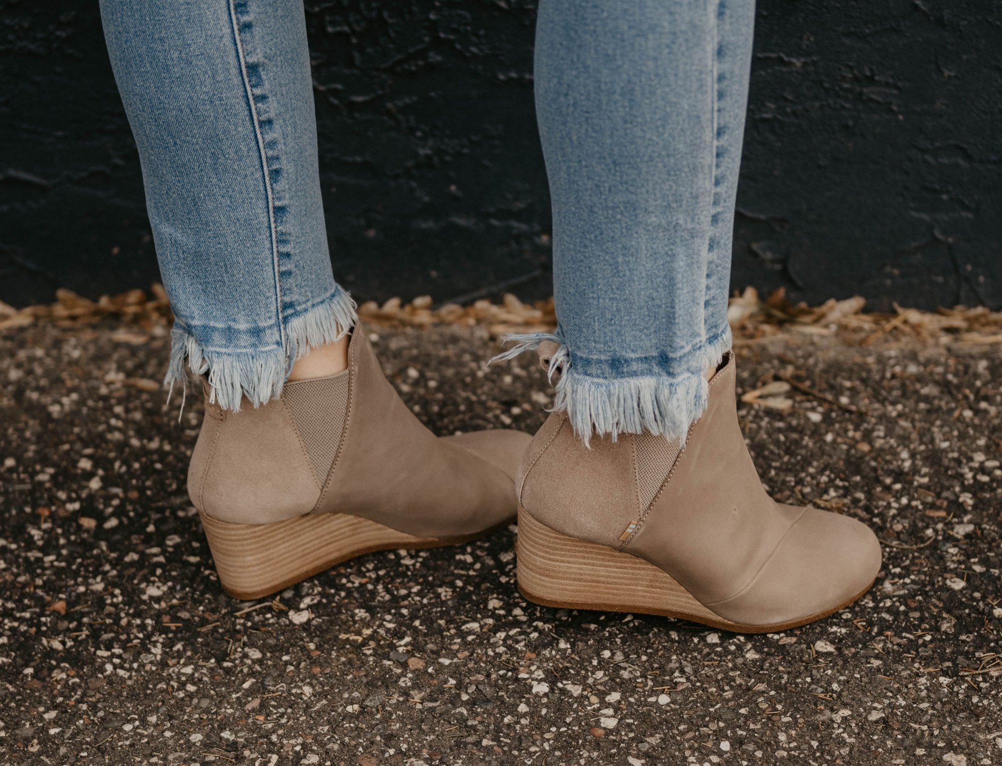 Toms Kelsey Taupe Suede Boot