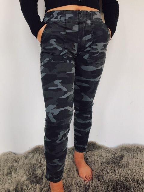 Kut Grey and Black Camo Skinny