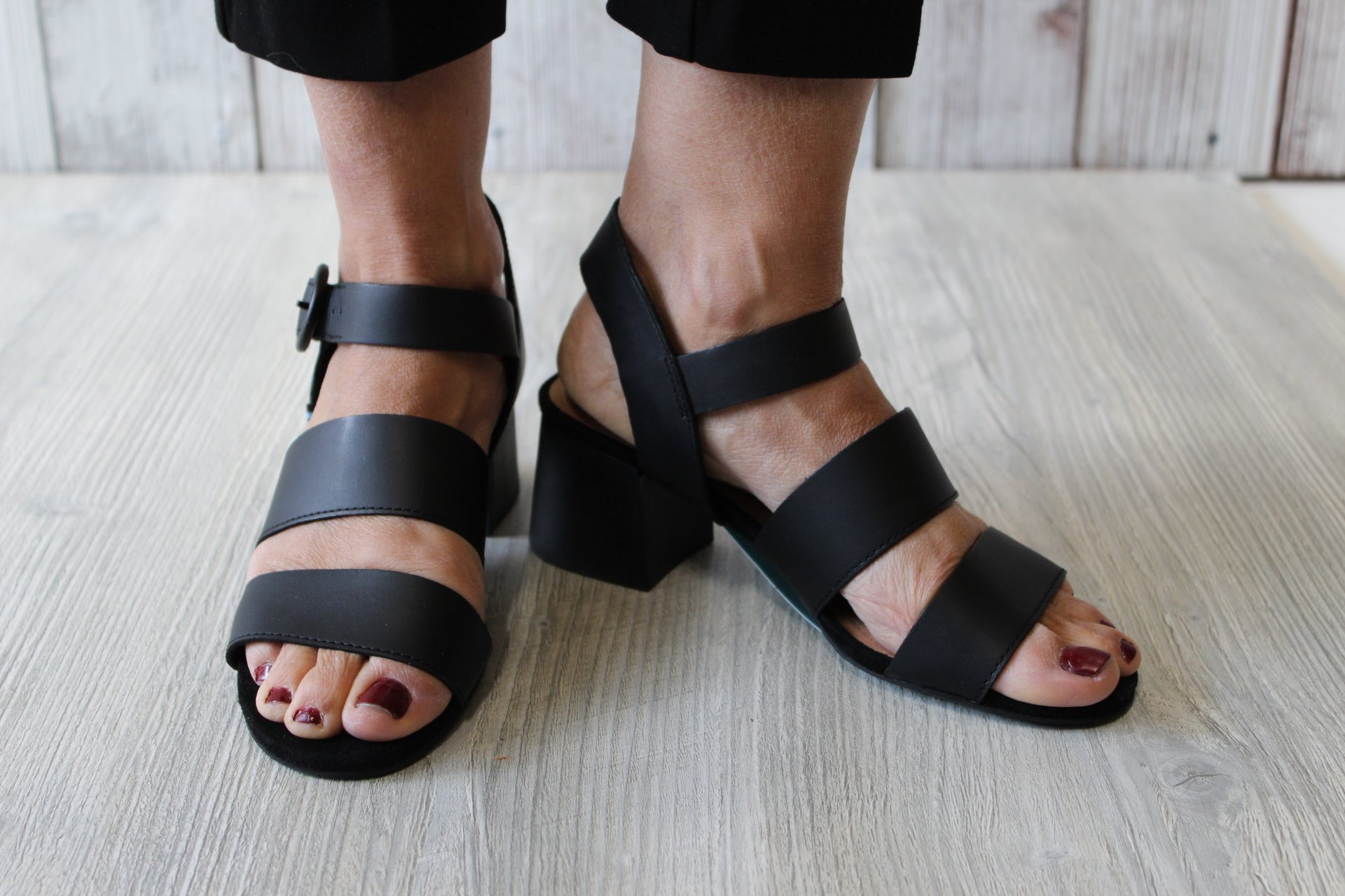 Toms Grace Black Leather Sandal
