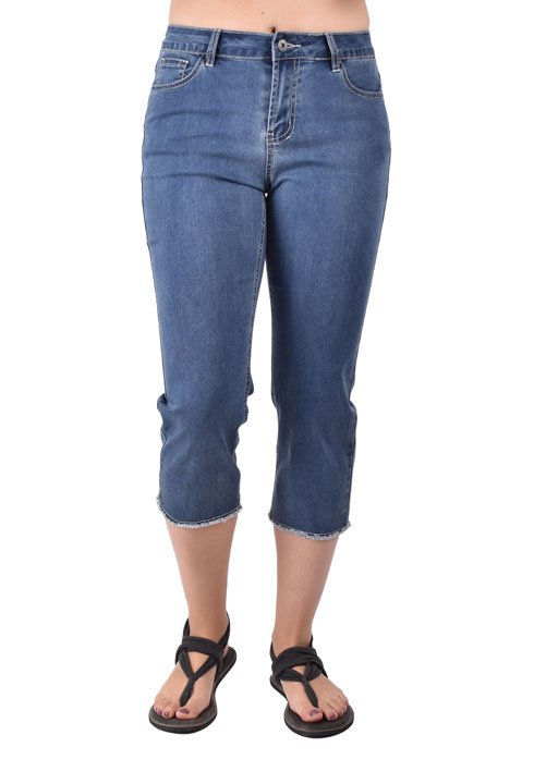 Ethyl crop capri with frayed hem