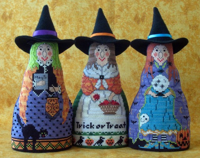 Bewitching Trio Needle's Notion