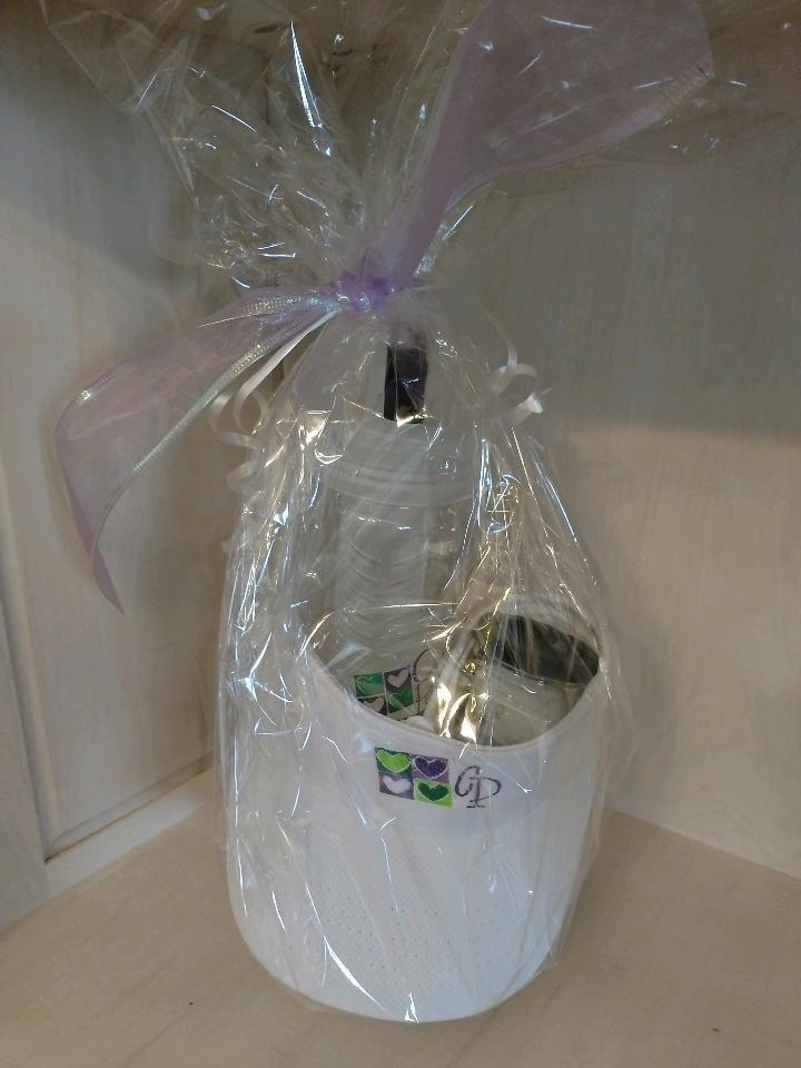 White Visor Gift Set, includes golf balls and infuser water bottle