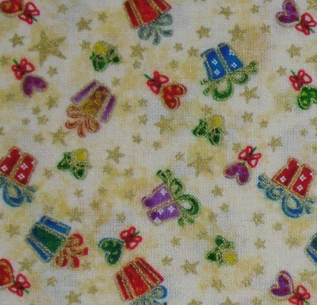 Christmas Ecru Gifts Fabriquilt 103 03099